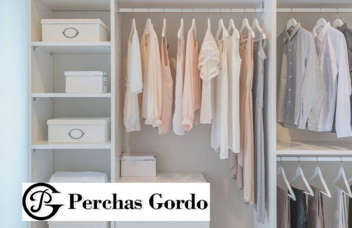 Foto de Perchas para ropa: un elemento indispensable para cualquier