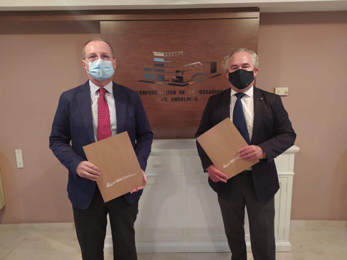 Foto de El secretario general de CEA, Luis Fernández-Palacios, y el